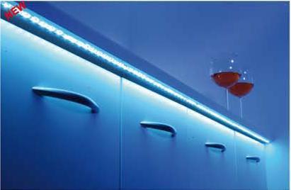 thebo wei e led strip mit silikonabdeckung wasserabweisend licht warm wei l nge 1m 60led s. Black Bedroom Furniture Sets. Home Design Ideas